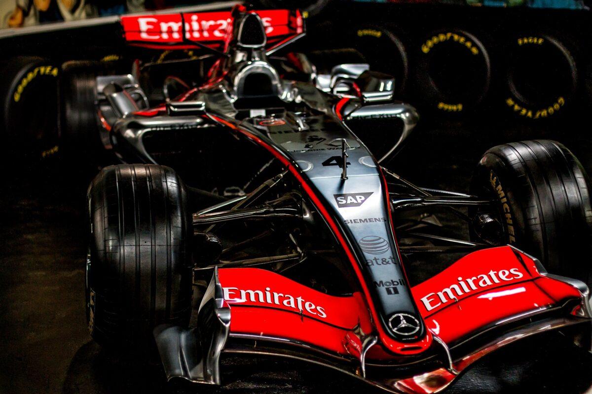 Waarom zijn formule 1 autos zo duur?