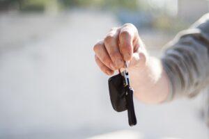 Hoe schaf je een auto aan?